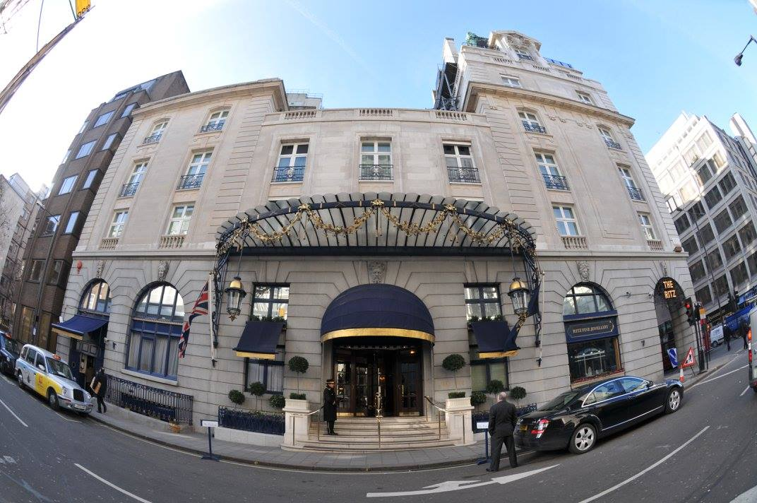 فندق ريتز في البيكاديللي، المدخل الجانبي.